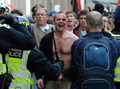 Rioter & Police
